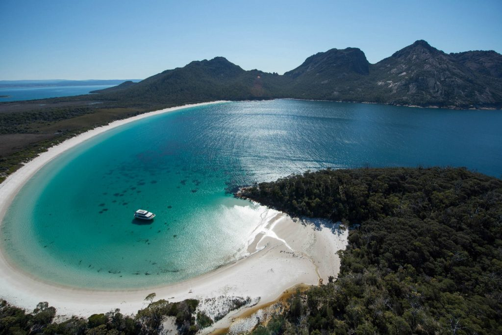 Wineglass Bay Cruises (Tourism Tas, Brendan Williams).