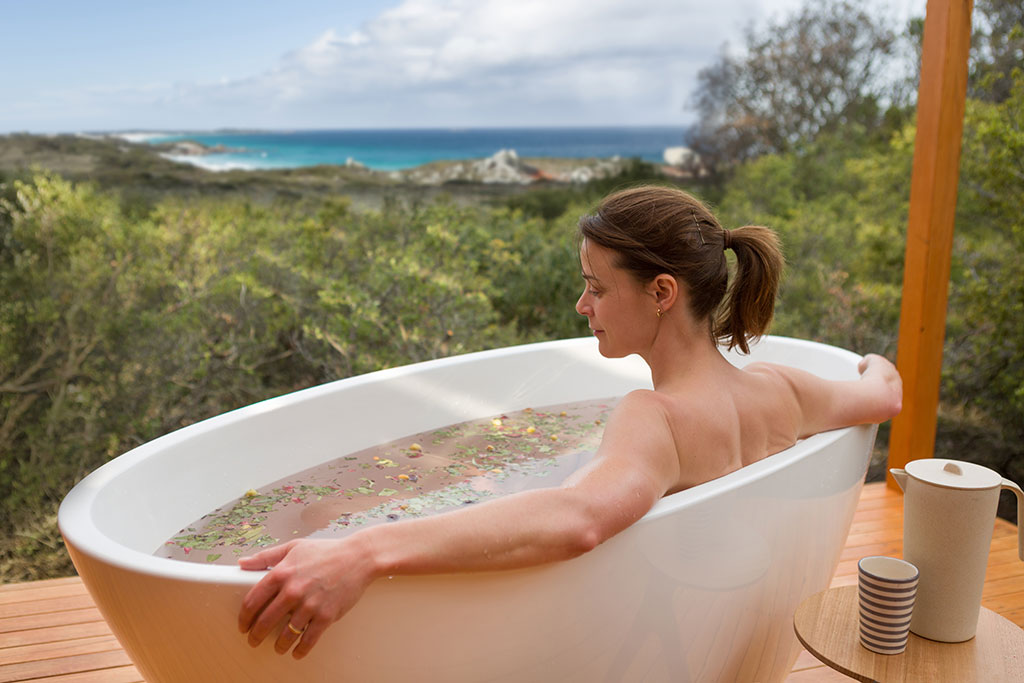 Bay of Fires Lodge Spa Tasmanian Walking Company East Coast Tasmania Bathtubs with a view